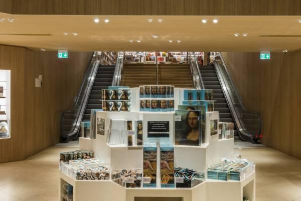 Thumbnail for Le Louvre boutique librairie